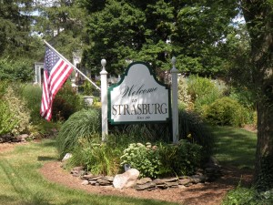 01  Welcome to Strasburg Sign